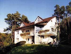 ferienwohnung fewo rehborn bad neustadt pensionhotel. Black Bedroom Furniture Sets. Home Design Ideas