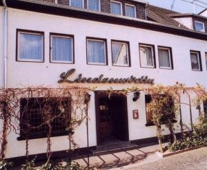 hotel lindenwirtin bad h nningen pensionhotel. Black Bedroom Furniture Sets. Home Design Ideas